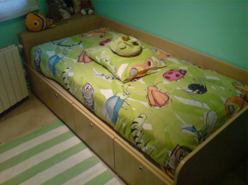 Green children's room